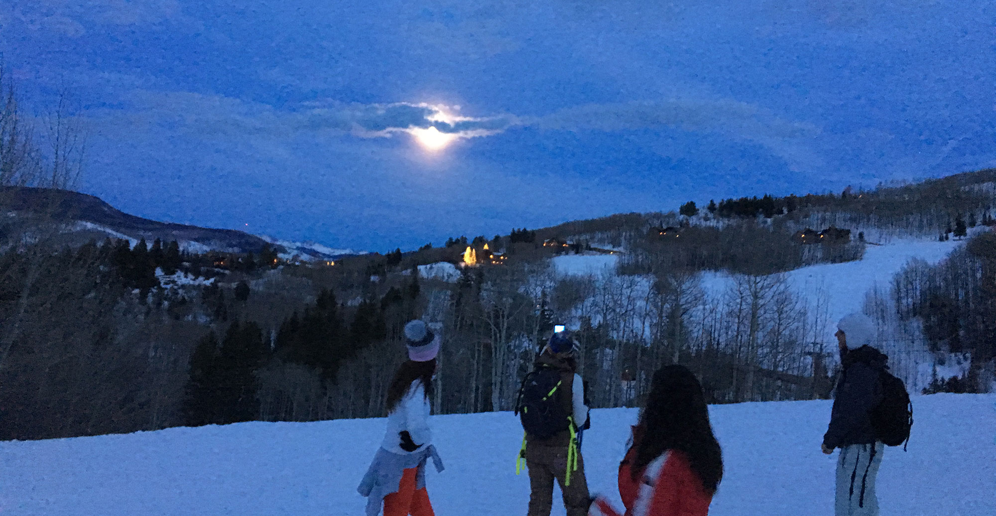 Full Moon Snowshoe Treks to Dinner