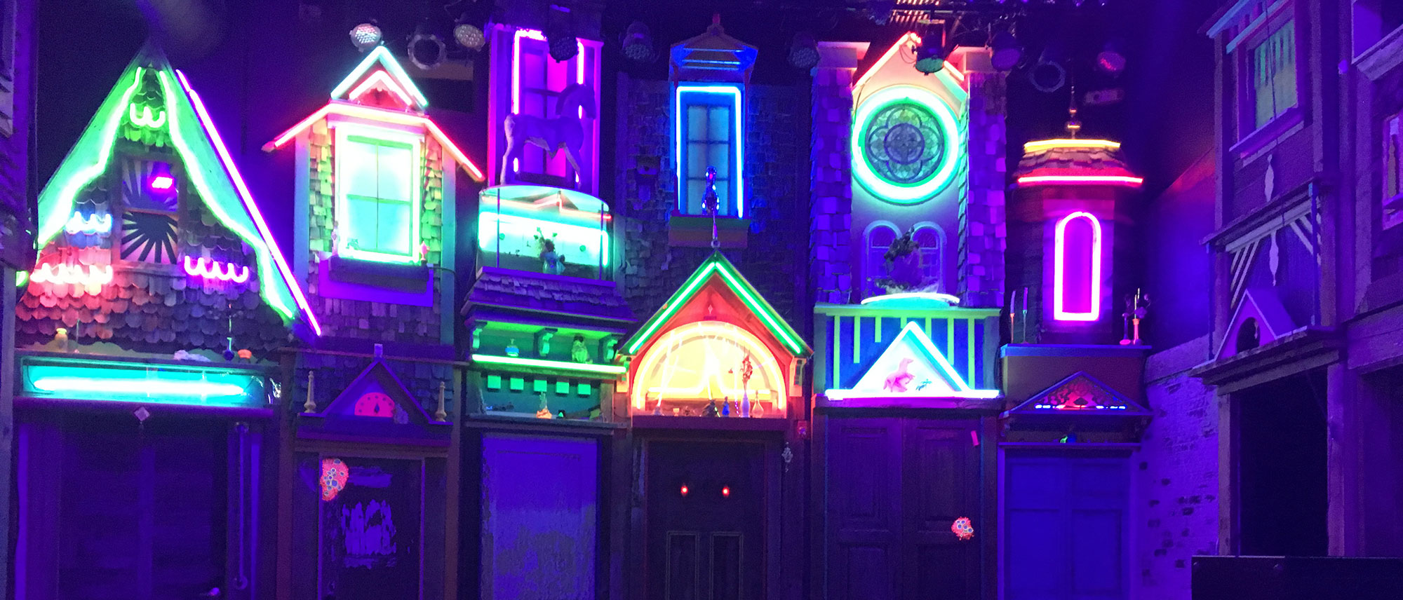 Santa Fe's Meow Wolf Art Installation from the Perspective of a Grandparent