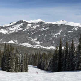 6 Tips for a First Family Ski Vacation