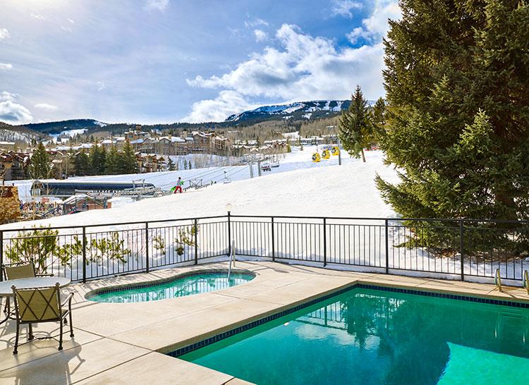 Colorado even boasts ski-in-ski-out pools!