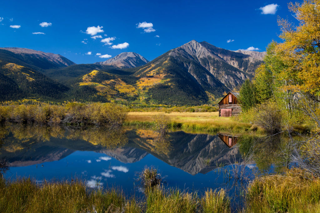 Colorado mountain cabins are available for rent in Estes Park and other areas