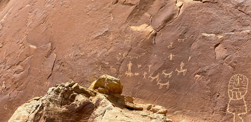 Petroglyphs at Butler Wash between Bluff and Mexican Hat, Utah.