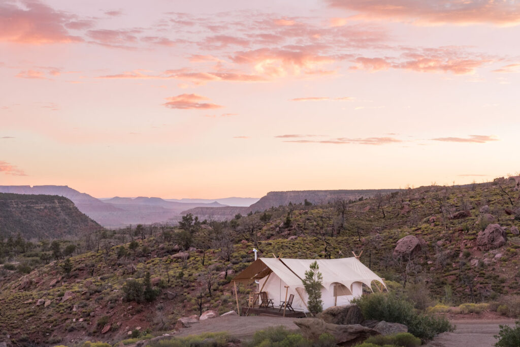 zion glamping tents agains the beautiful landscape