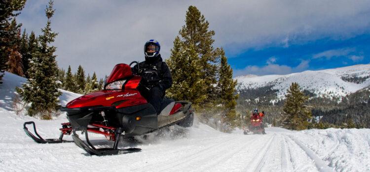 colorado snowmobiling fun