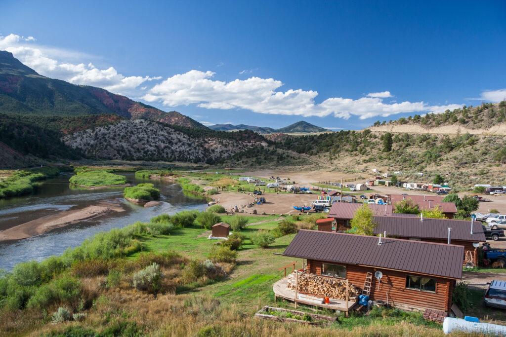 hot sulphur springs cabins